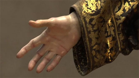 SaintGines_hand